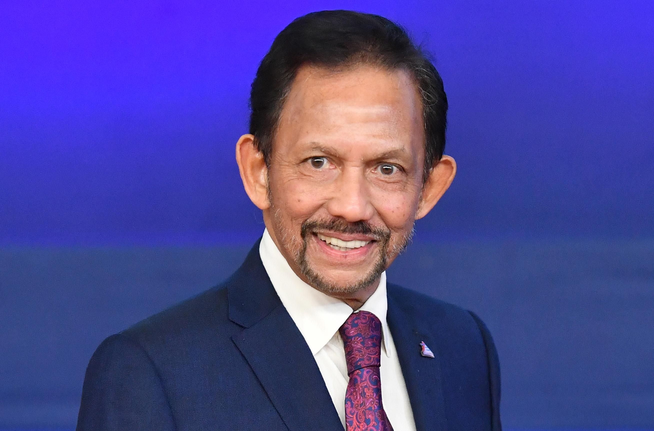 Brunéi aprobó la pena de muerte contra adúlteros y homosexuales