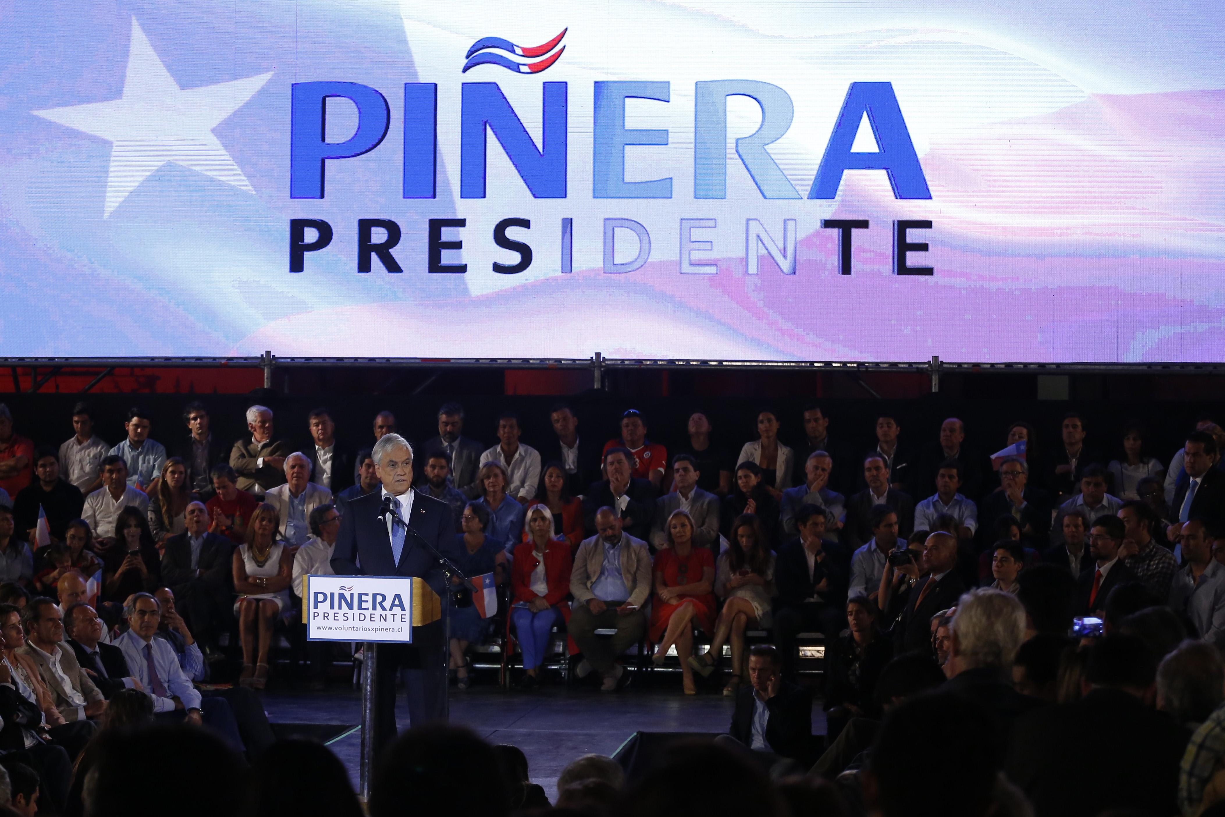 Sebastián Piñera anunció su candidatura presidencial y criticó duramente a la Nueva Mayoría