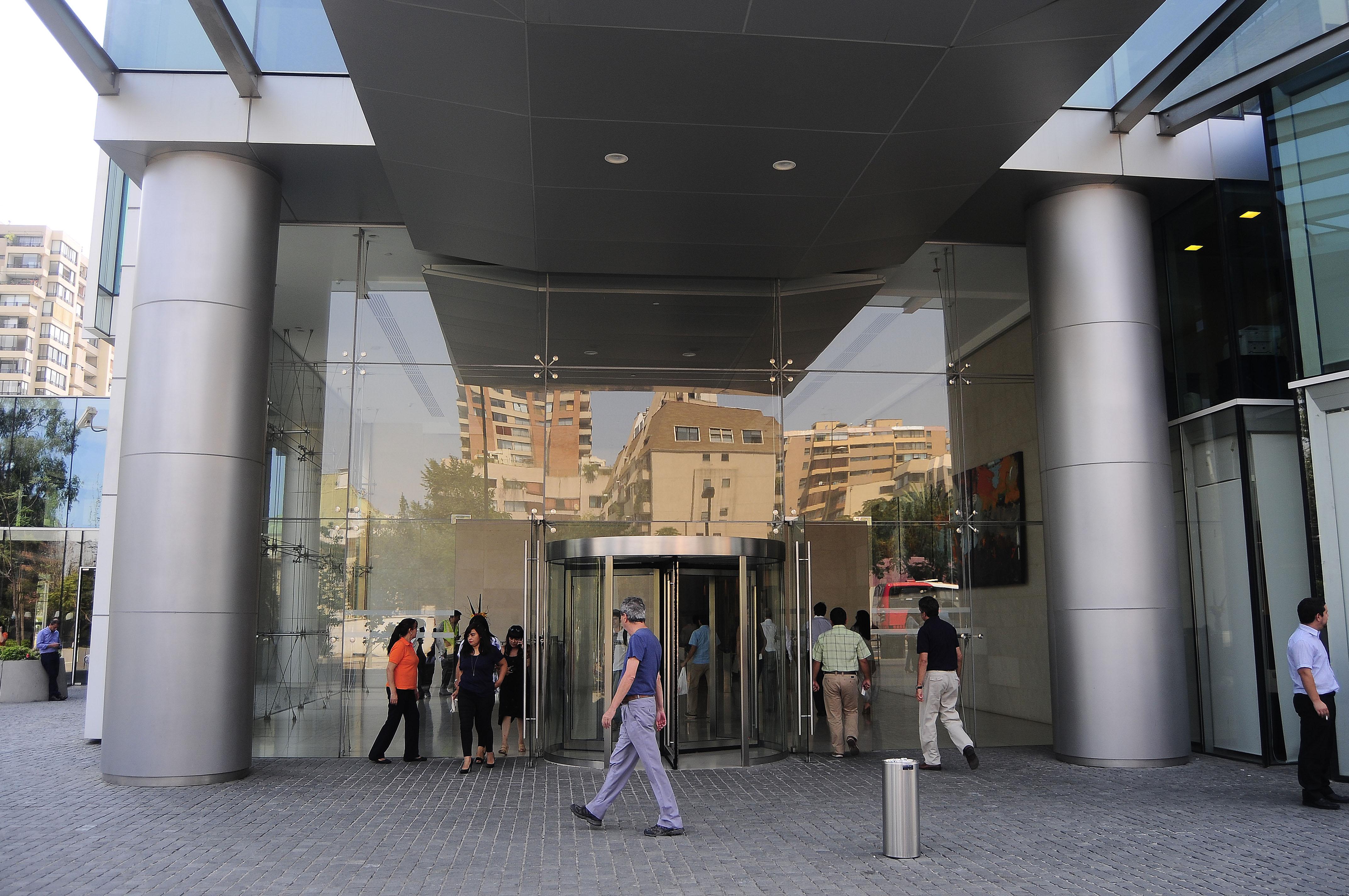 Isapres tienen $11.725 millones disponibles para devolver: ¿Cómo cobrar los excesos?