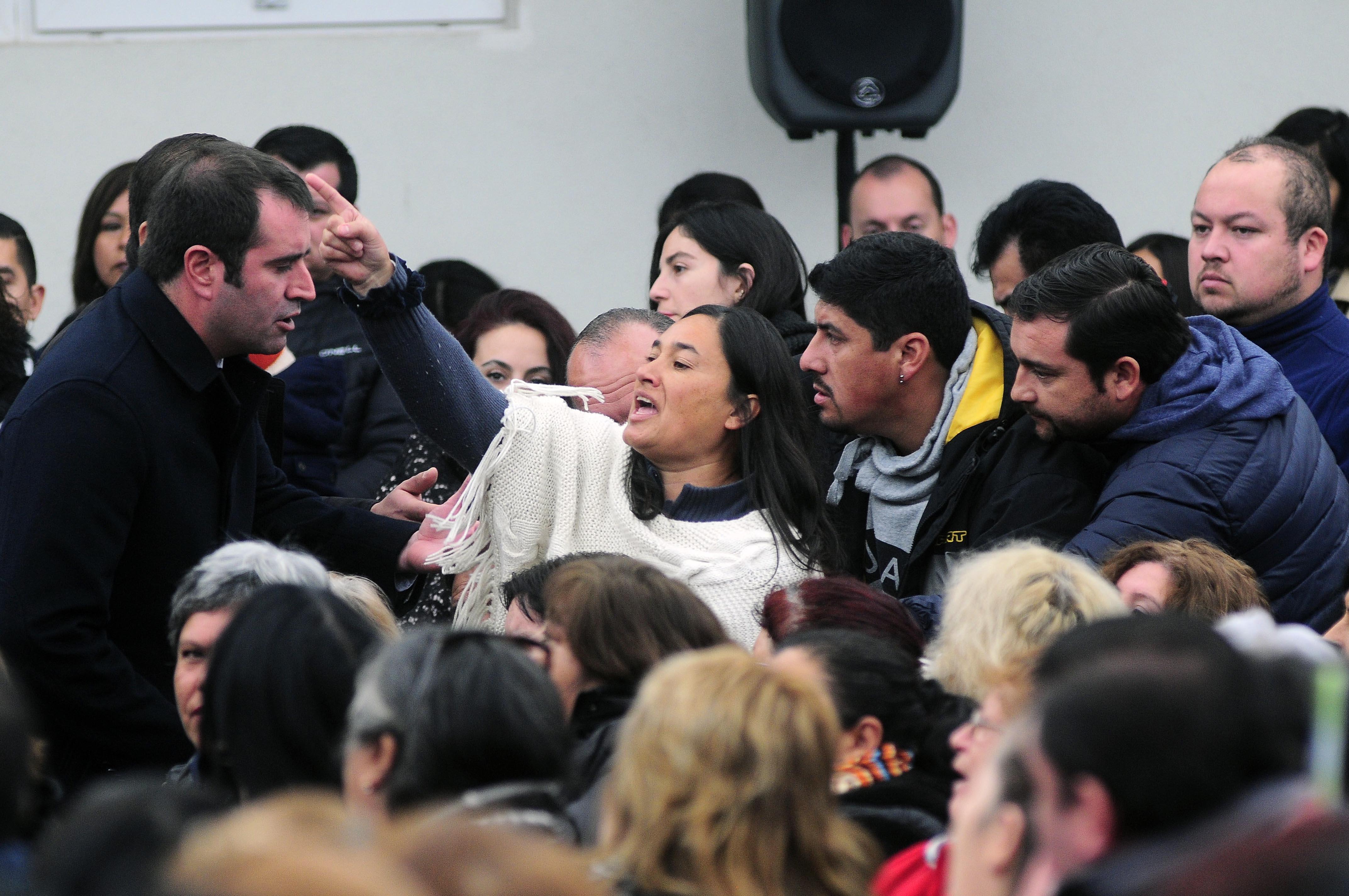 [FOTOS] Mujer increpó a Bachelet durante actividad en Puente Alto