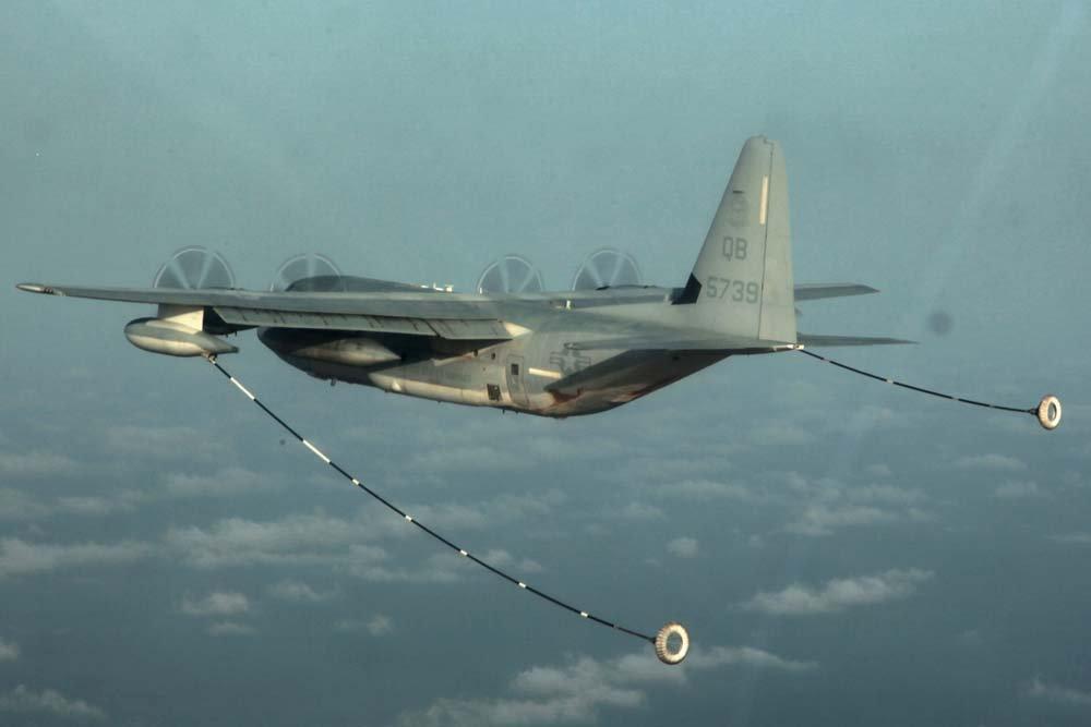 16 personas murieron al estrellarse un avión militar en Mississippi