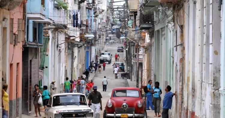 EL ANTES Y DESPUÉS: ASÍ ESTÁN MIAMI Y CUBA CON LA LLEGADA