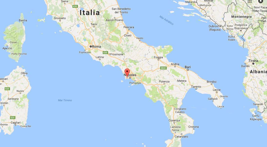 Pareja italiana y su hijo mueren tras caer al cráter de un volcán en Napolés