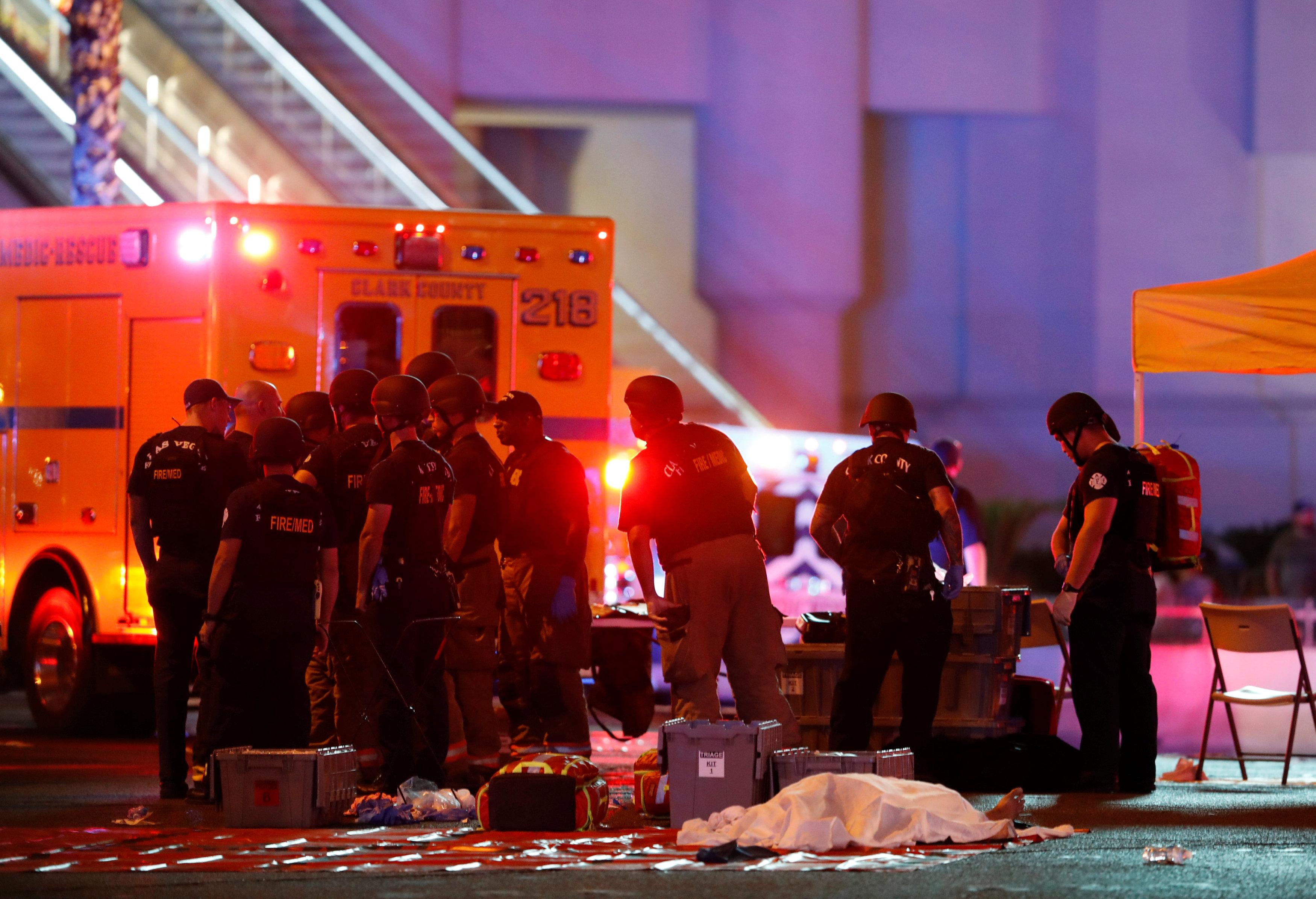 58 muertos y 515 hospitalizados tras tiroteo en Las Vegas