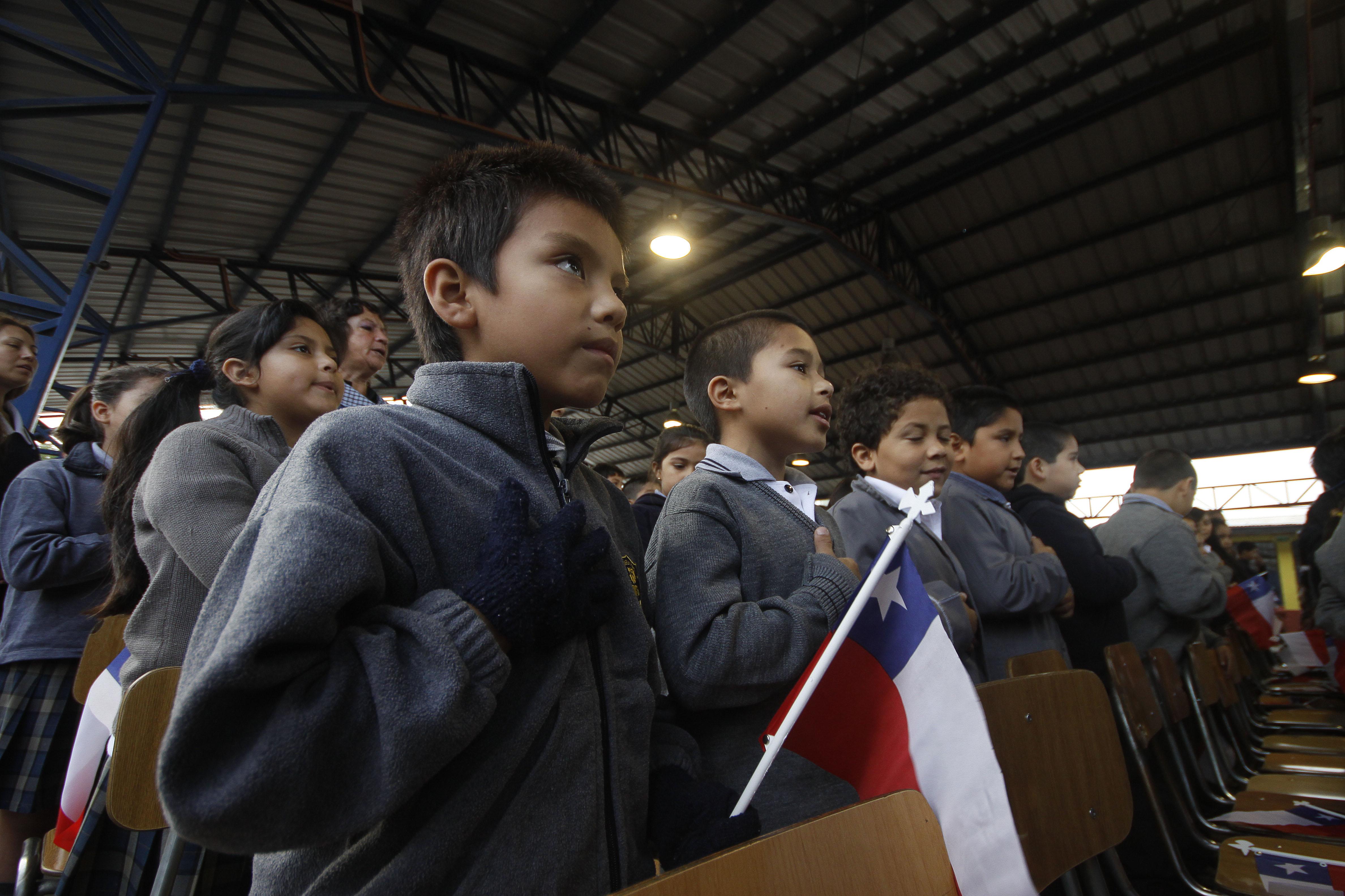Diversos sectores de Valdivia critican aprobación del proyecto de Nueva Educación Pública