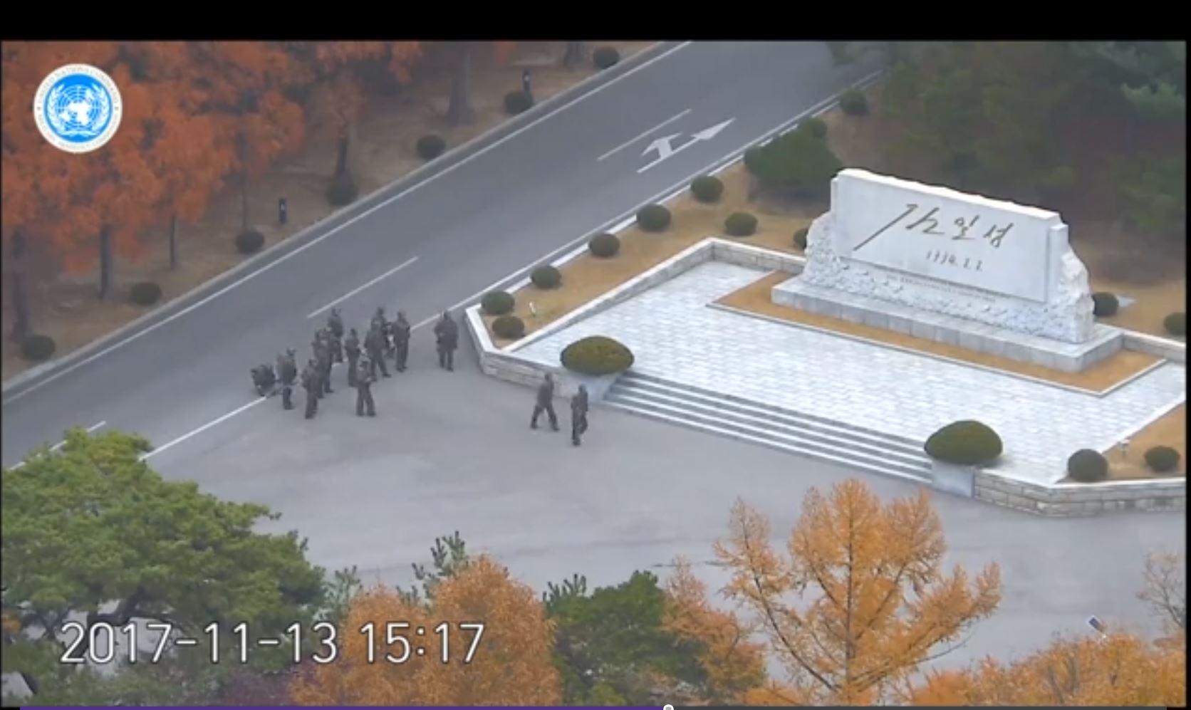 Balean a soldado norcoreano que deserta y huye a Corea del Sur