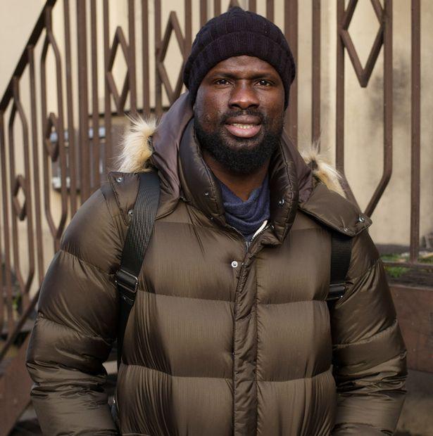 Arsenal ayudará a Emmanuel Eboué