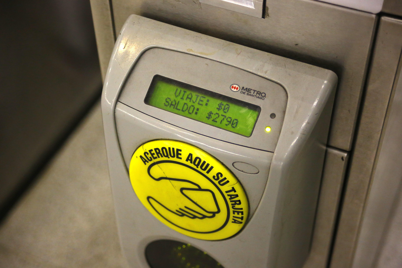 Metro y Transantiago sufrirán alza en su tarifa