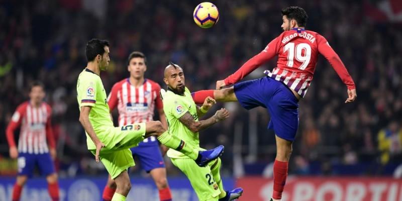 Arturo Vidal fue titular: Barcelona empató en la agonía en su visita al Atlético Madrid