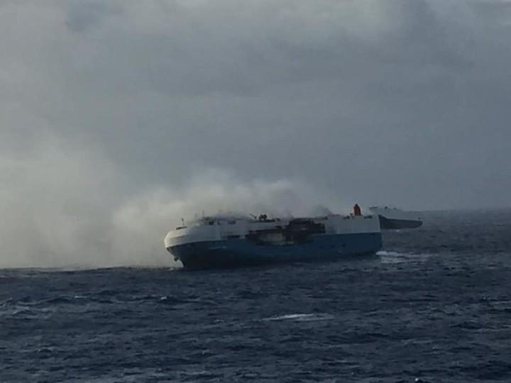 Suspenden búsqueda de tripulante desaparecido por incendio del Sincerity Ace