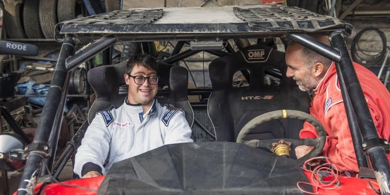 La historia del copiloto peruano con síndrome de Down que competirá en el Rally Dakar 2019