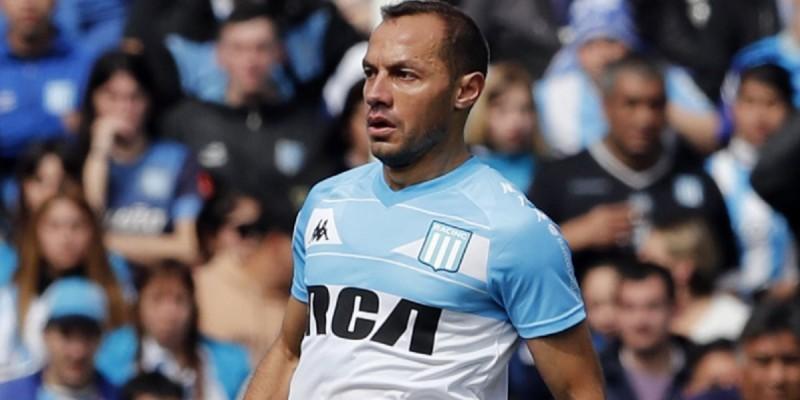 Marcelo Díaz exhibió su fanatismo por la U: Expresó su deseo por tener la nueva camiseta