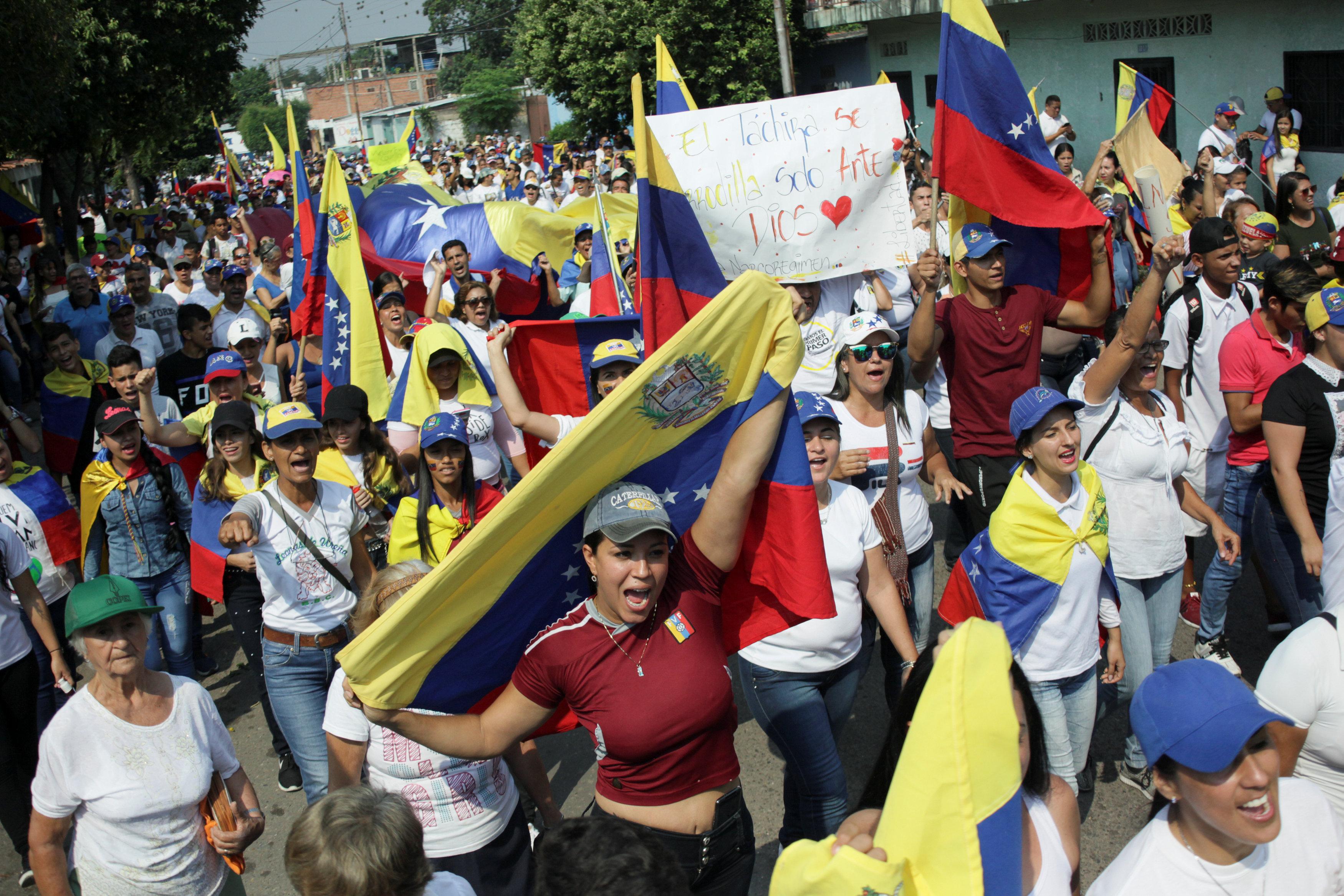 Este presidente viajará a Cúcuta para entregar la ayuda humanitaria
