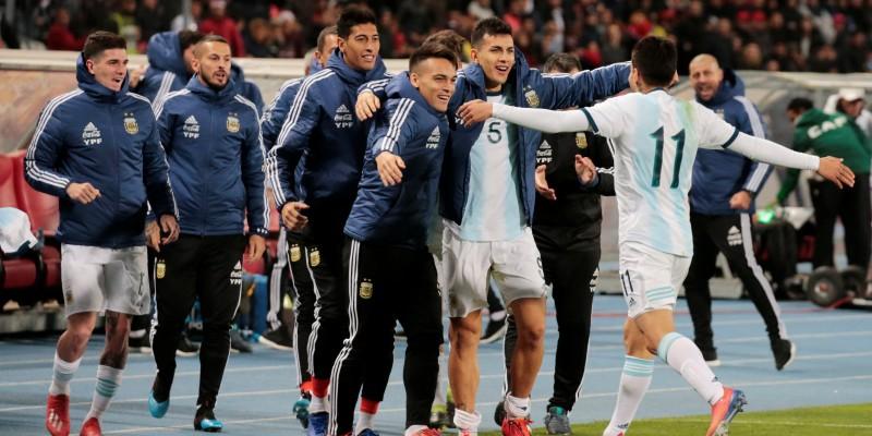 [FOTOS] Argentina derrotó bajo un vendaval a Marruecos con gol en los últimos minutos