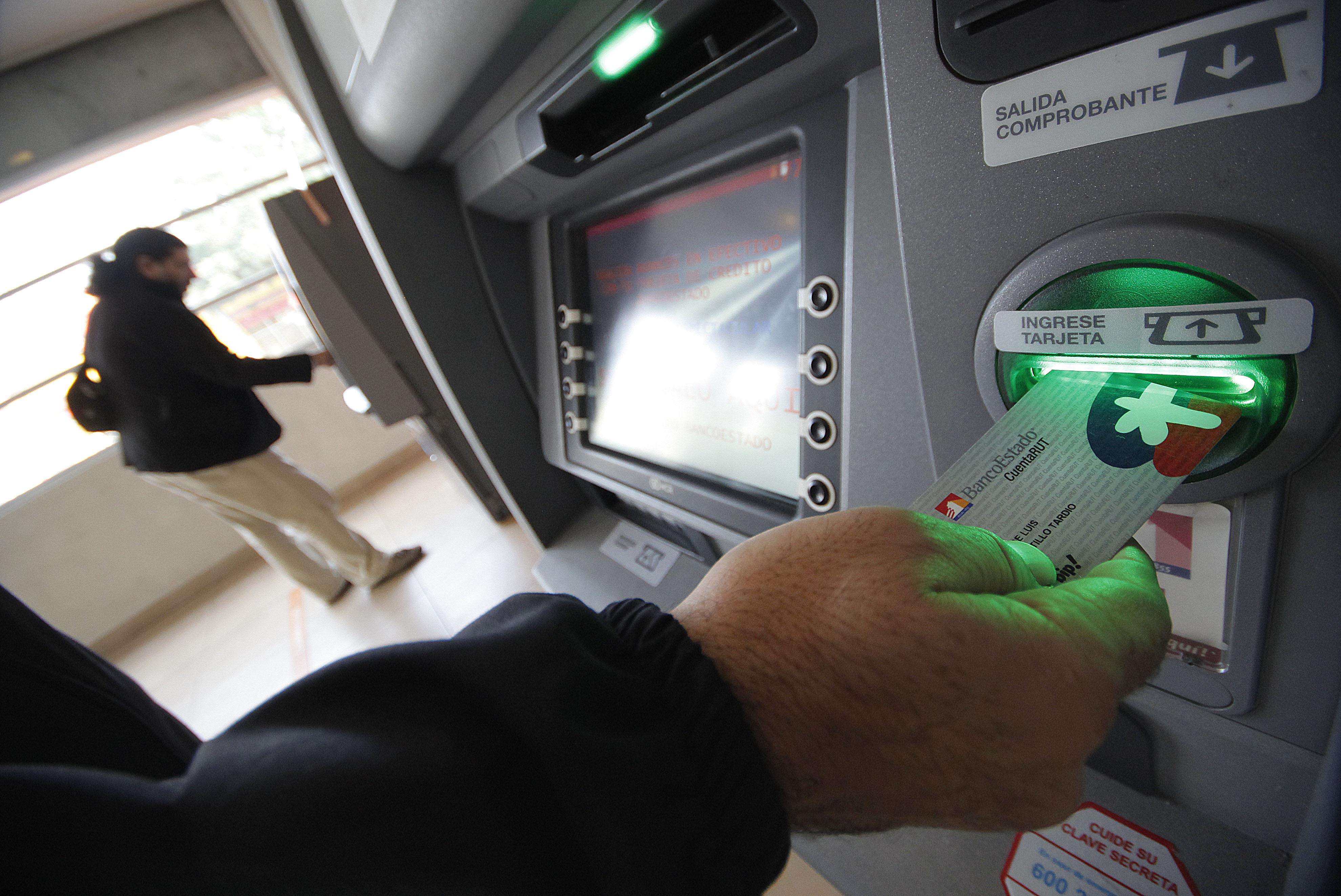 Comienza entrega de la tarjeta Cuenta RUT Visa Débito en todo Chile