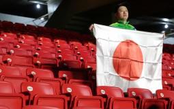 Hinchas japoneses para aplaudir: A pesar de caer con Chile recogieron su basura y dejaron limpio el Morumbí